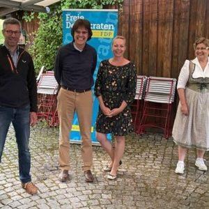 Im Bild von links nach rechts Christian Häußermann, Dr. Christoph Wagner, Tatjana-Jo Wagner und Helga Hähnle